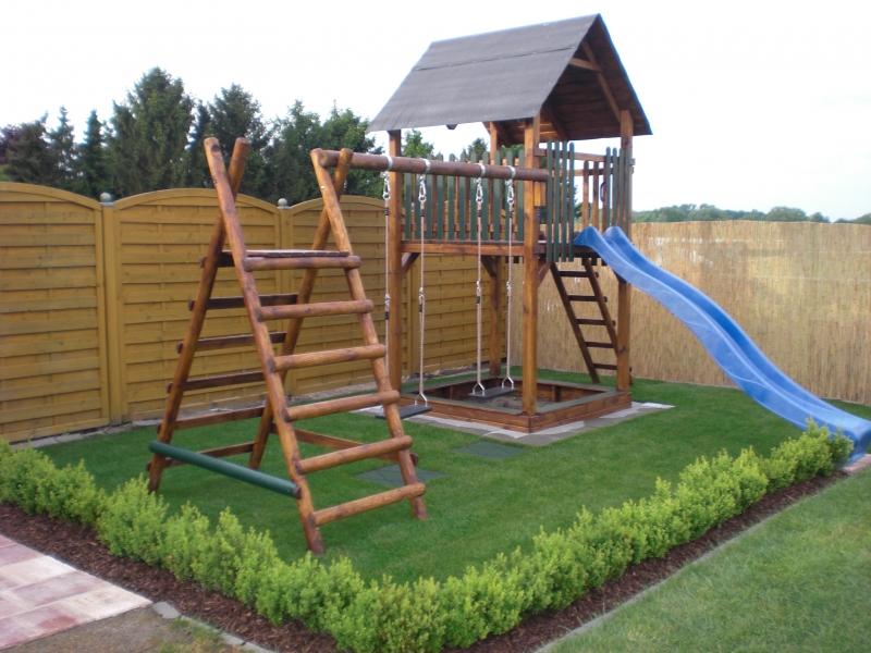 Spielturm mit Rutsche Modell Mara III, Kletterturm, Stelzenhaus