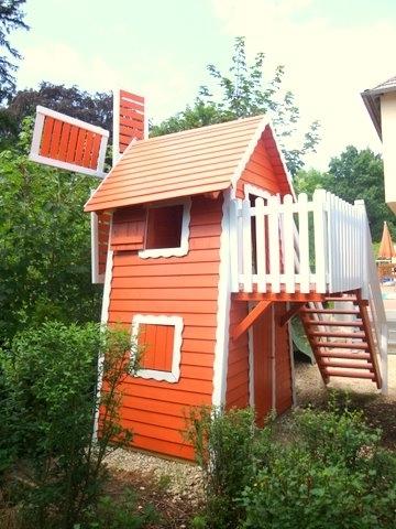 kinderspielhaus spielturm als windm hle. Black Bedroom Furniture Sets. Home Design Ideas