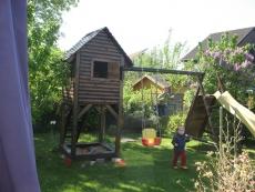 Stelzenhaus MAX mini mit Schaukel und Rutsche